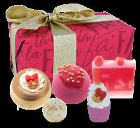 Bomb Cosmetics - Gift Pack - Gift set of body care cosmetics - Fa La La Festive