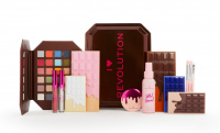 I Heart Revolution - Chocolate Vault Tin - Gift set for eye and face makeup