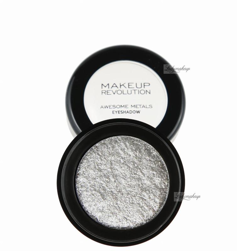 Makeup revolution awesome metals foil finish