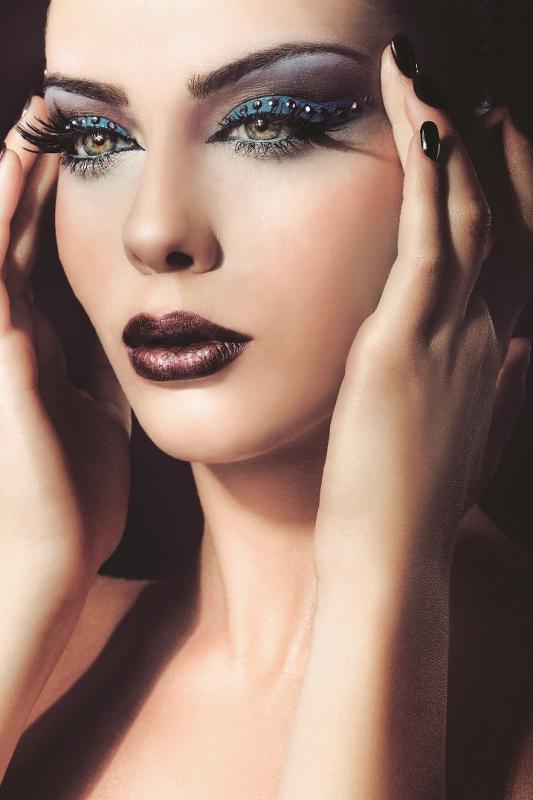 Sylwestrowy Makijaż Do Czarnej Sukienki Forum O Makijażu