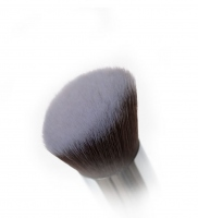 Nanshy - Angled Airbrush - Pędzel do podkładu i konturowania - FB-FA01 (Pearlescent White)