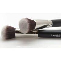 LancrOne - POWDER BRUSH - F62