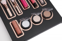 MAKEUP REVOLUTION - ADVENT CALENDAR 2016 - Kalendarz adwentowy z kosmetykami do makijażu