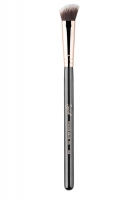 Sigma - P84 Precision Angled™ - Pędzel do rozświetlacza/korektora