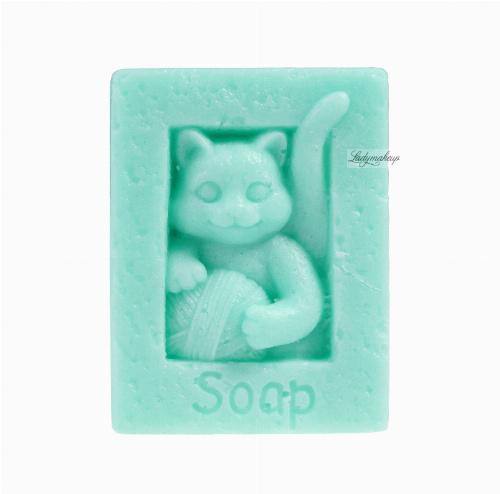 LaQ - Happy Soaps - Naturalne mydełko glicerynowe - ZIELONY KOT Z KŁĘBKIEM WEŁNY