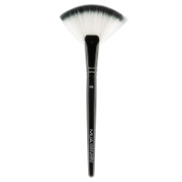 MUA - Fan Brush - F8