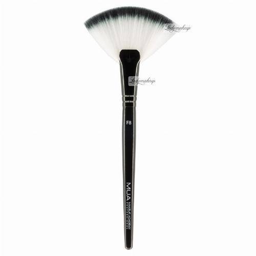 MUA - Fan Brush - Duży pędzel wachlarzowy - F8