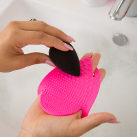 Beautyblender - keep.it.clean® - CLEANSING MITT FOR A FAST & DEEP CLEAN - Mata do czyszczenia pędzli i gąbek + mydełko solid