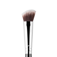 Sigma - P84 Precision Angled ™ - Highlighter/Concealer Brush