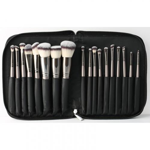 LancrOne - SUNSHADE MINERALS Make-Up Studio Professional - Zestaw 18 pędzli do makijażu w etui