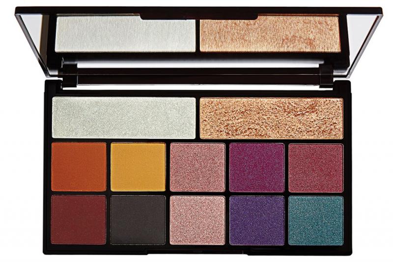 Makeup revolution kiss of fire palette