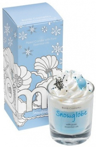 Bomb Cosmetics - Piped Candle with Pure Cinnamon & Sandalwood Essential Oils - Snowglobe