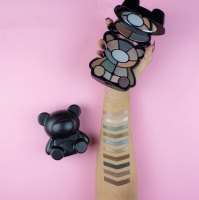 I Heart Revolution - Toy Factory Teddy Bear Palette - Paleta cieni do powiek - Jett